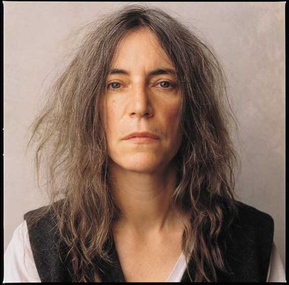 Watch & Read: Patti Smith Talks About Lou Reed, Sings